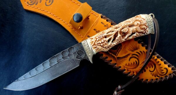 Custom handmade Premium Damascus knife