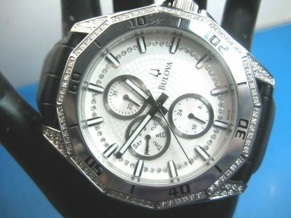 BULOVA 96C110 MEN'S DRESS WATCH SS CASE & CRYSTAL 3 REGISTERS ANALOGDATEDAY