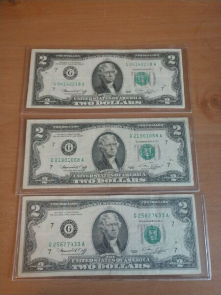 Lot of Three series 1976 $2.00 Federal Reserve Notes Lightly Circulated