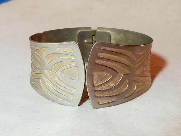 Sarah Coventry Two Tone Metal Bangle Bracelet