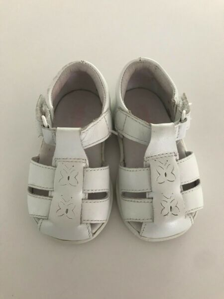 Stride Rite 3M Girl Shoe Sandal White Flower Butterfly Hook amp; Loop Straps Infant $21.00