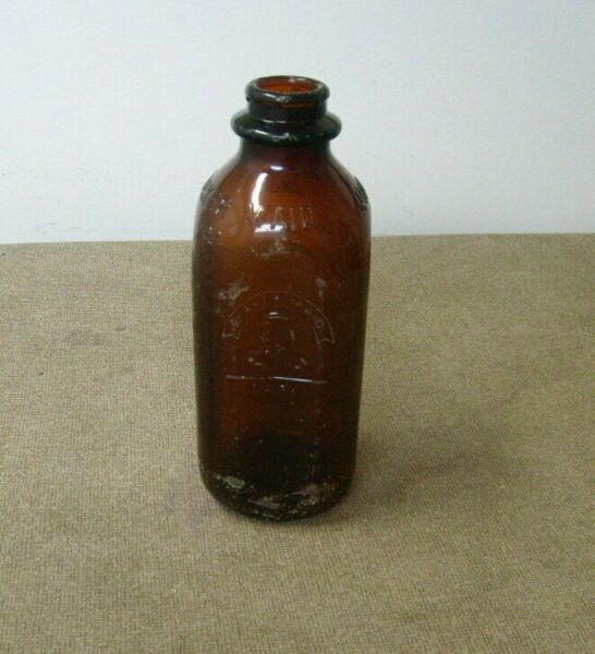 Quaker Maid Dairy milk bottle Empty 1 Quart Brown bottle Locally Produced tag
