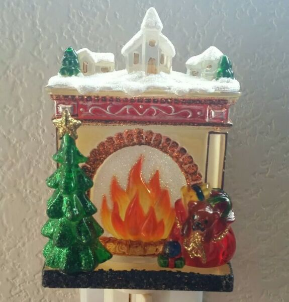 Christmas Holiday Fireplace Night Light w Tree Gifts & Snow Village *Tested*