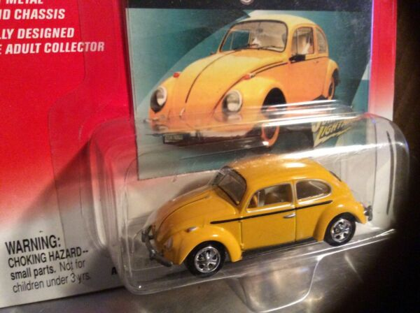 66 VW beetle  yellow bug 1966 Johnny Lightning 2002 164 Volkswagen