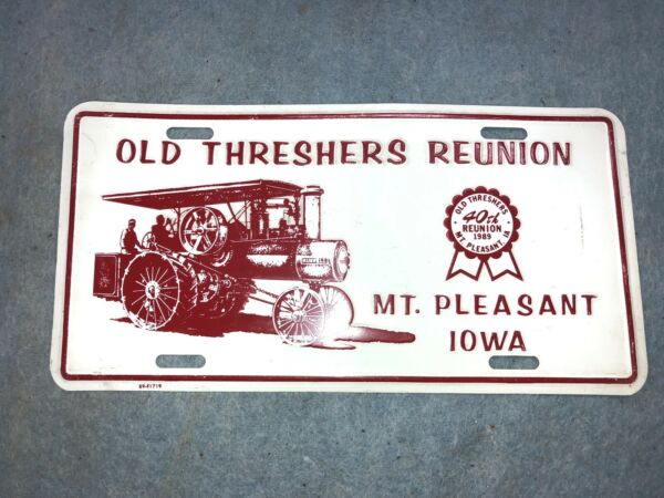 1989 OLD THRESHERS METAL LICENSE PLATE STEAM TRACTION ENGINE  MT PLEASANT IA