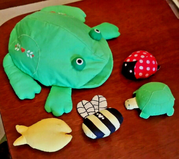 RARE VTG Large HOUSE OF HATTEN PLUSH FROG w4 toys inside 12.5