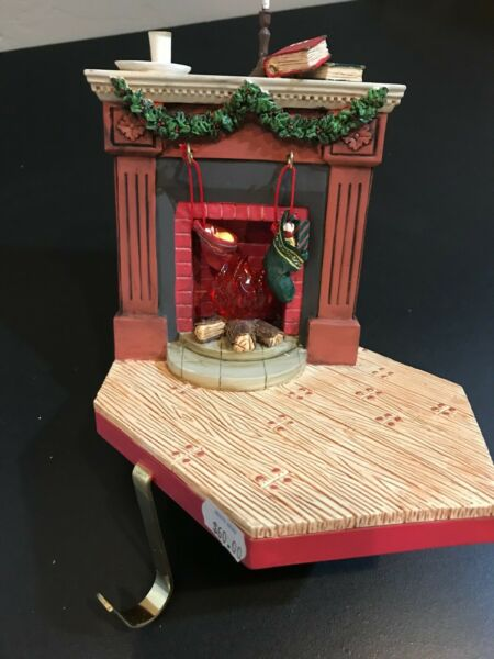 MADAME ALEXANDER FIREPLACE WLIGHT-UP FIRE STOCKING HOLDER CLASSIC COLLECTIBLE