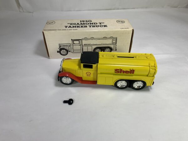 1991 ERTL 1930 Shell Diamond T Tanker 1 34 Truck Die Cast Bank #7542