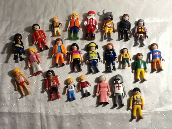 Awesome 23 piece PLAYMOBIL characters people figures lot MUST SEE