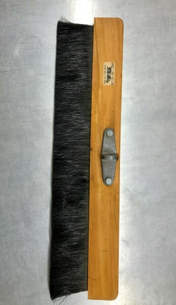 24quot; WOOD CEMENT FINISH BROOM NEW $16.00