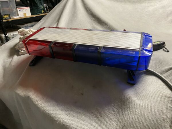 ONE Whelen  Edge 9M Series RED  BLUE MINI LIGHTBAR 9MME4DW. 28.25""