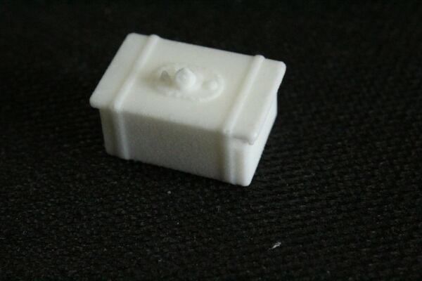 DIRT LATE MODEL FUEL CELL 125 124  WHITE RESIN