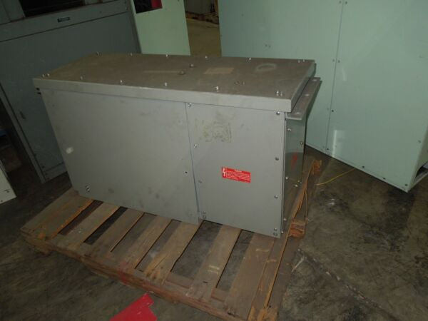 GE Spectra Series 1600A Power Take Off for 2500A 3ph 3w w Ground Copper Busway