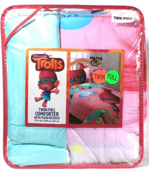 Franco Manufacturing Co DreamWorks Trolls TwinFull Comforter With Plush Reverse