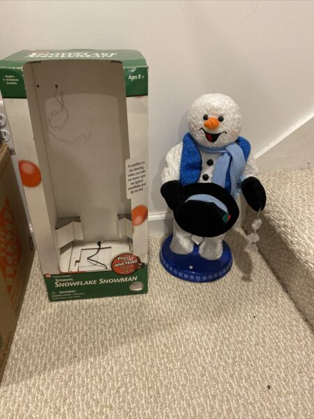 Gemmy Animated Snow Miser Christmas Spinning Snowflake Snowman Blue Vest 18quot; Box