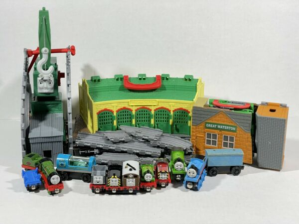 Thomas The Train Tidmouth Sheds Thomas and Friends Take And Play Die cast Wood