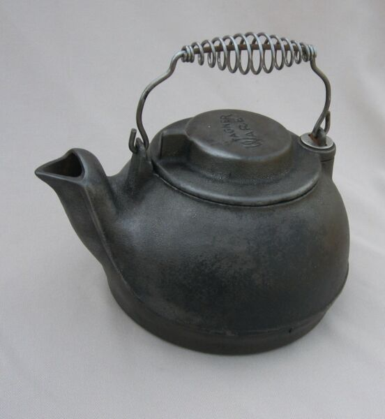 Antique Wagner Ware Cast Iron Kettle *NICE *