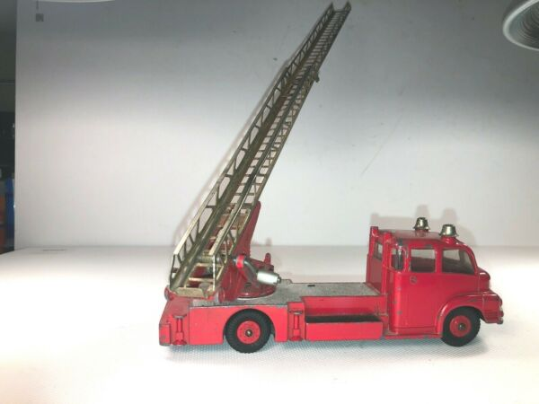 Dinky Supertoys No 956 Turn Table Fire Escape. NICE.