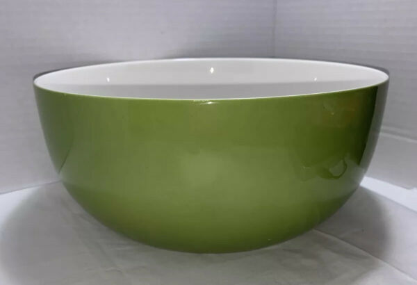 1 Large Crate amp; Barrel Lime Green Mixing Bowl No Scratches Inside Some Outside