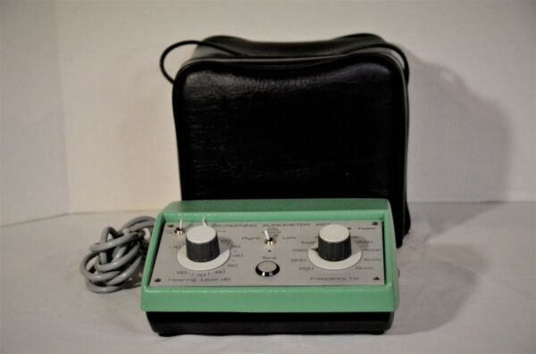 INTERACOUSTICS AS7 SCREENING AUDIOMETER WITH CASE Made In Denmark
