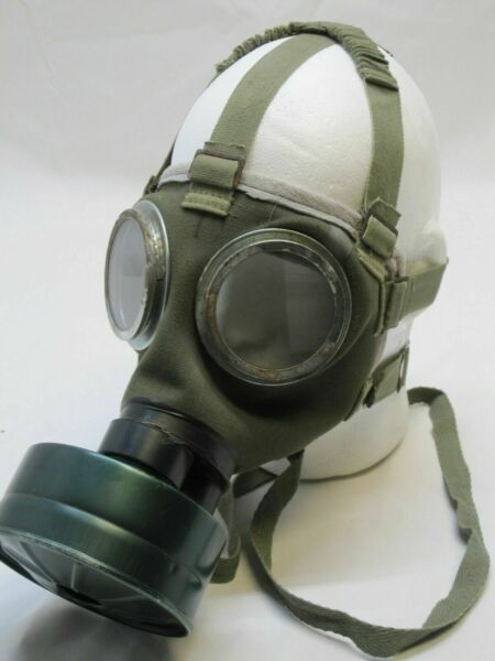 Used Hungarian M76 Military Surplus Gas Mask with 40mm Filter and Bag Survival