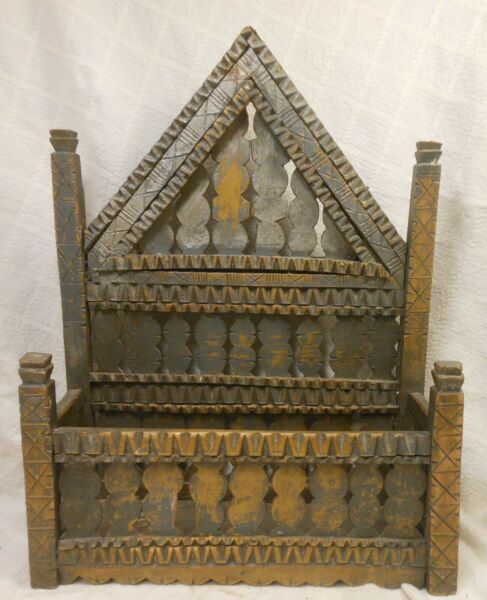 Good Antique Gray Painted Chip Carved Tramp Art Wall Box