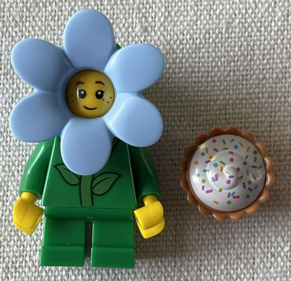 NEW LEGO Flower Child Cupcake Minifigure Spring Exclusive