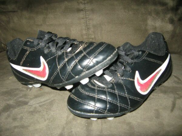 Nike Toddler Soccer Cleats Size 12C Black GUC $15.00