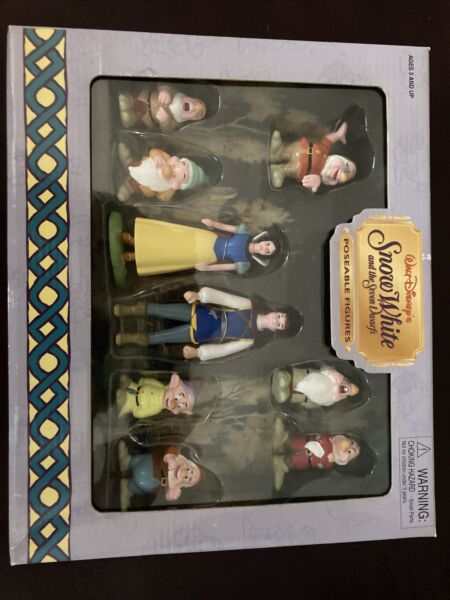 NEW Snow White amp; Seven Dwarfs Poseable Figures from Walt Disney World Parks.