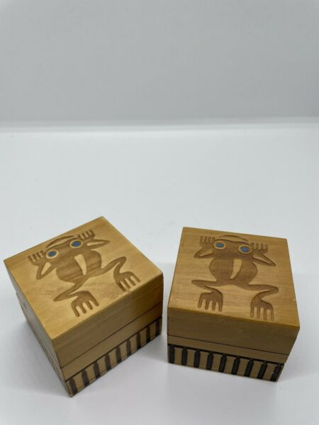 Pair of 2 small wooden boxes with frog motif made in Poland
