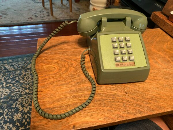 Western Electric Model 2500D Pushbutton Phone Avocado Green W Volume Control $25.00