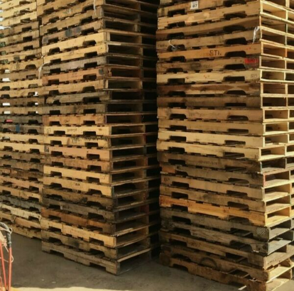 Used Wood B Pallets 48quot; x 40quot; 4 Way Pallets $10.75 EA PICK UP ONLY $10.74