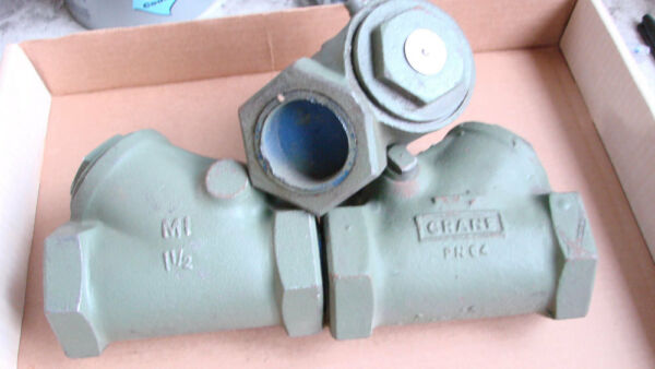 1-12'' Crane # 346-12 Malleable Iron Swing Check Valve New Threaded End