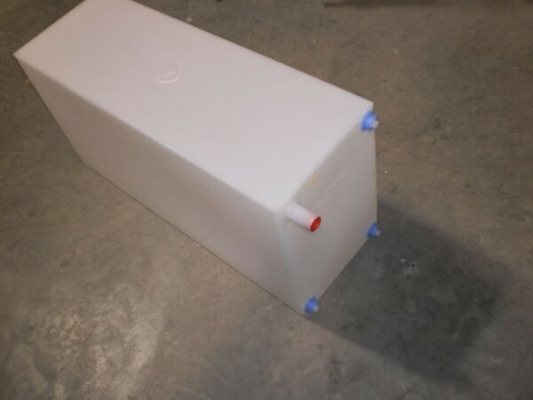 30 gallon Fresh water tank Camper RV Horse Trailer FDA approved $57.00