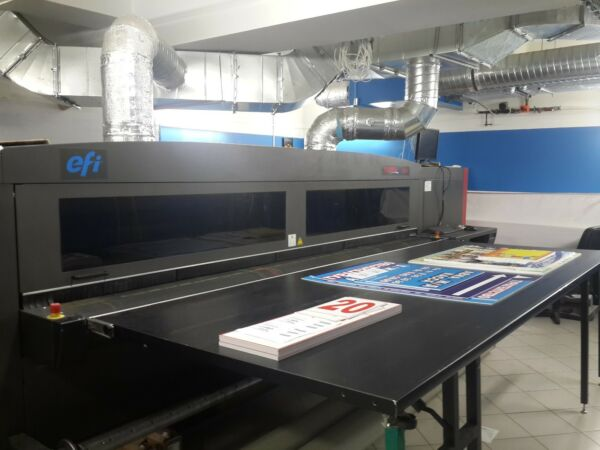 Vutek QS3200 UV printer
