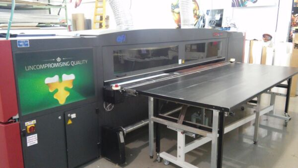 EFI VUTEK QS3200 UV printer