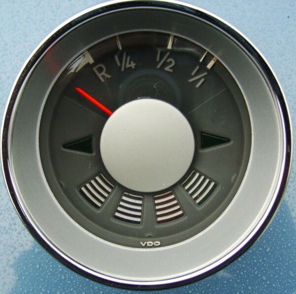 VW Type 3 1500 Fuel Gauge Red Pointer without Symbols on the Pilot Lights
