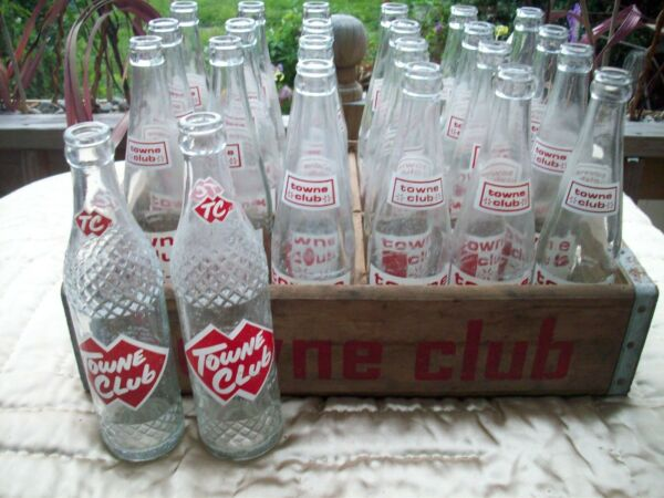 SET #2 VINTAGE TOWNE CLUB WOODEN SODA BEVERAGE CRATE W24 TOWNE CLUB BOTTLES