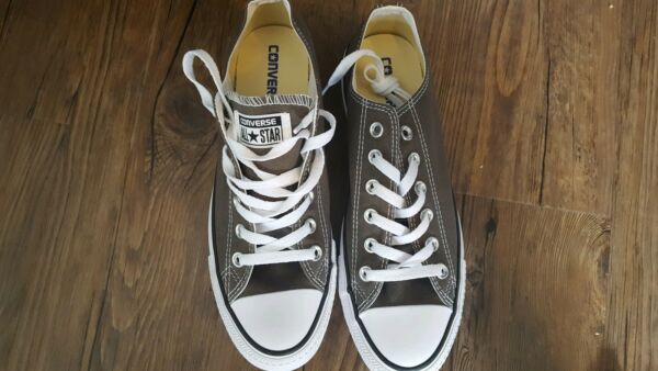 Converse All Star Chuck Taylor Canvas Shoes Low Top Brand New Size 9 Women 7 Men
