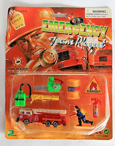 Emergency Team Play Fire Set Die Cast Metal truck and action figures