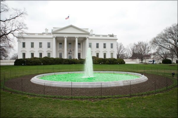 Poster Many Sizes; Green Fountain At White House On St Patricks Day 2009