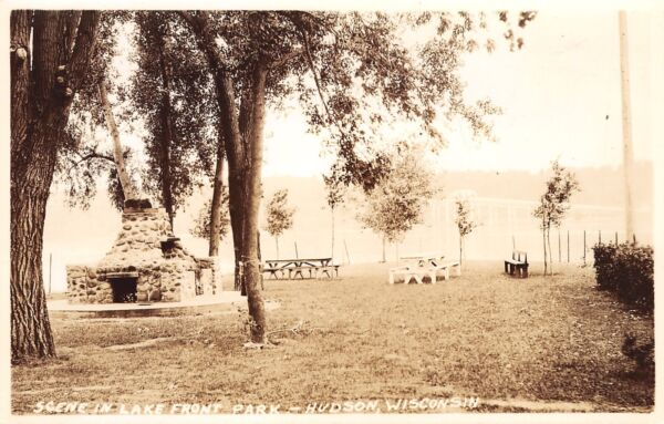 Hudson Wisconsin~Lake Front Park~Stone Fireplace & Grill~Picnic Tables~1930 RPPC