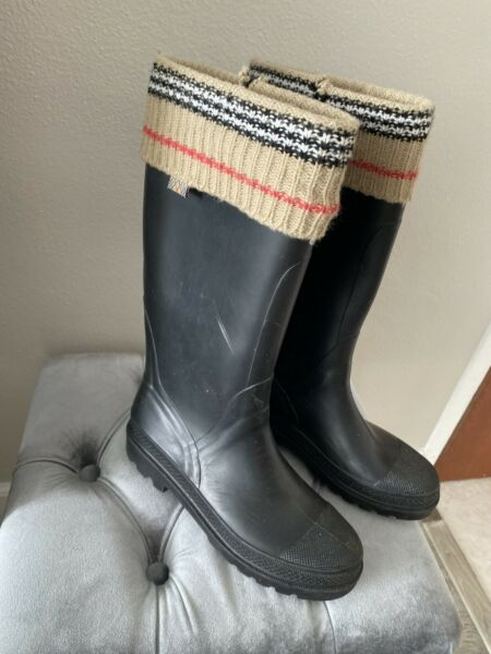 BURBERRY SOCK RUBBER BOOTS $199.00