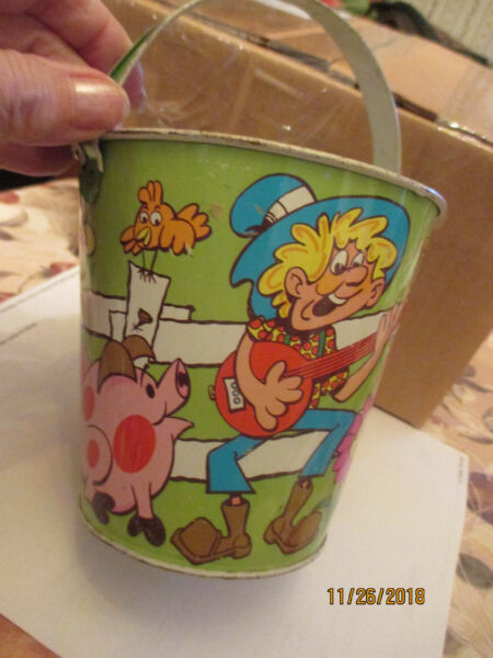 Vintage Farmer in the Dell Sand Pail by Ohio Art. Wide handle 7