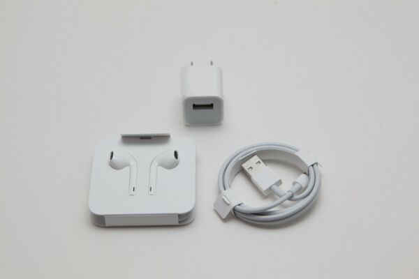 Apple Oem Lighting Charger Headset. Brand New Lot Of 3