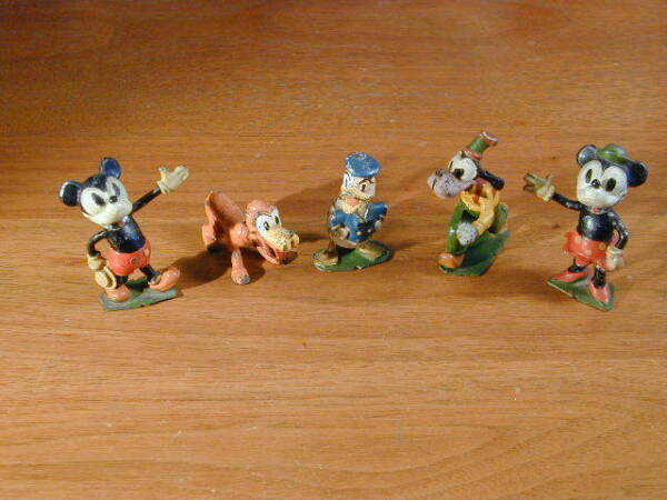MICKEY MINNIE DONALD GOOFY & PLUTO 5 RARE 1938 PAINTED LEAD BRITAINS SET #1645