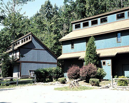 SILVERWOODS AT TREASURE LAKE ~ ANNUAL 2 BEDROOM TOWNHOUSE ~ LAKE DUBOIS TIMESHAR