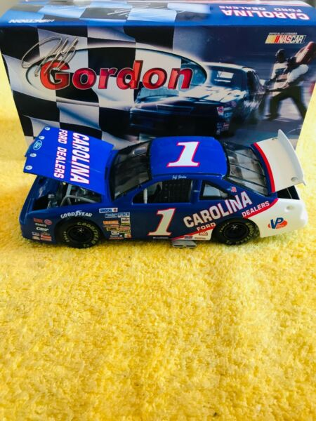 1991 JEFF GORDON #1 CAROLINA FORD DEALERS LIMITED EDITION 124 ACTION DIECAST