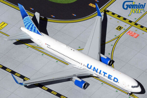 Gemini Jets 1:400 United Airlines 767-300ER New Livery N676UA GJUAL1921 IN STOCK