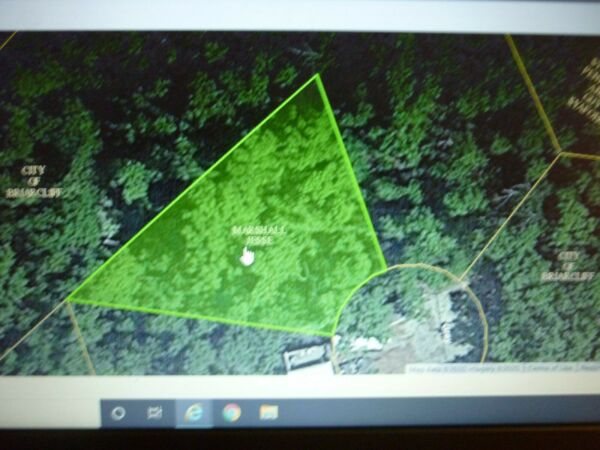 10208 sq feet (.2343 acre) Briarcliff, AR- 2 mile to Norfork Lake POWER IN BACK